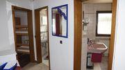 Erdgeschoss: Bad und Toilette